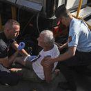 VIDEO: Najprv pľuvanec, potom úder. Fanúšika, ktorý atakoval Frooma, zatkli