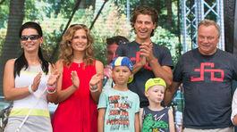 Peter Sagan a jeho partnerka Katarína (druhá zľava) na zábere z roku 2015.