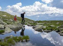 Švajčiarsko odmietlo udeliť moslimskému páru občianstvo, úradníkom nechceli podať ruku