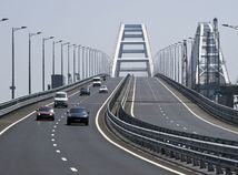 Most-Híd o ceste poslancov na Krym: Je to neprípustné