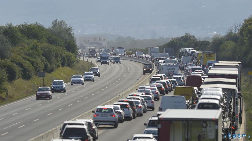 D1 dopravná nehoda premávka obmedzenia