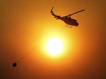 požiar, hasiči, helikoptéra, vrtuľník