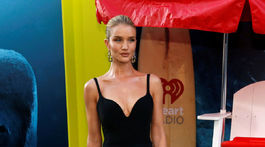 Modelka Rosie Huntington-Whiteley vyzerala očarujúco.