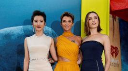 Trio hlavných ženských predstaviteliek - zľava: Bingbing Li, Ruby Rose a Jessica McNamee.