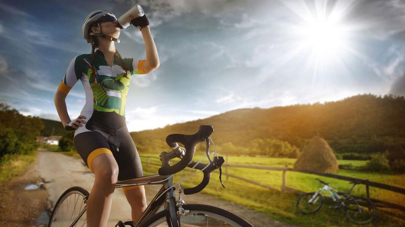 cyklista, voda, tekutiny,
