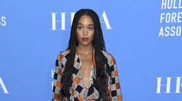 Herečka Laura Harrier v kreácii Louis Vuitton.