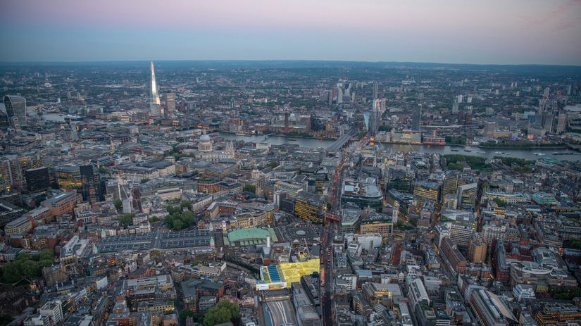 D�u�s�k� �a�e�r�i�a�l� �v�i�e�w�,� �L�o�n�d�o�n���