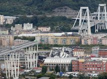 V Janove sa s mostom zo 45 metrov zrútilo 38 vozidiel, zomrelo 35 ľudí
