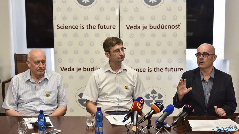 Miroslav Koóš, Ján Tkáč, Peter Samuely, SAV
