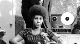 Záber z roku 1973: Speváčka Aretha Franklin na zábere z tlačovej konferencie.
