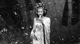 Záber z roku 1975: Speváčka Aretha Franklin počas vyhlásenia Oscarov.