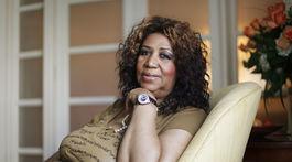 Záber z roku 2010, na ktorom Aretha Franklin pózuje na portrét.