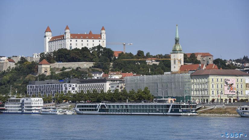 SR BTB Dunaj nízka hladina počasie horúčavy...