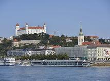 SR BTB Dunaj nízka hladina počasie horúčavy lode BAX