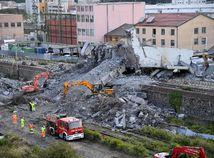 Taliansko Janov most zrútenie obete Morandi hasiči trosky