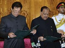 Imrán Chán, Mamnún Husajn, Pakistan