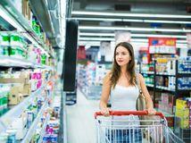 Žena, nákup, potraviny, supermarket