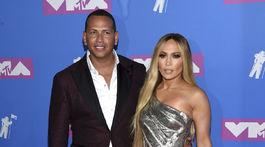 Alex Rodriguez a Jennifer Lopez prišli na vyhlásenie cien spoločne. Speváčka Jennifer Lopez prišla v šatách Versace.
