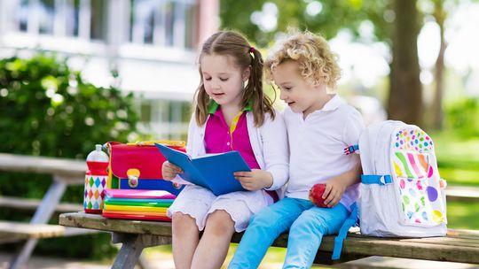deti, škola, čítanie,