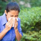 alergia, žena, alergická reakcia, nádcha,