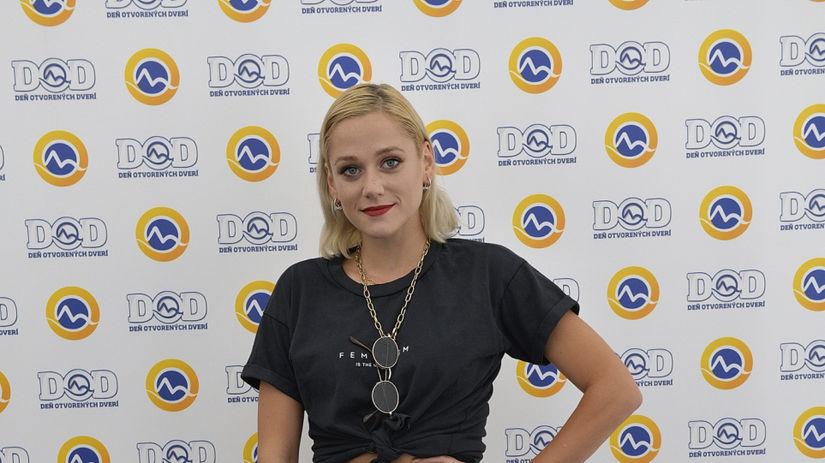 Speváčka Emma Drobná.