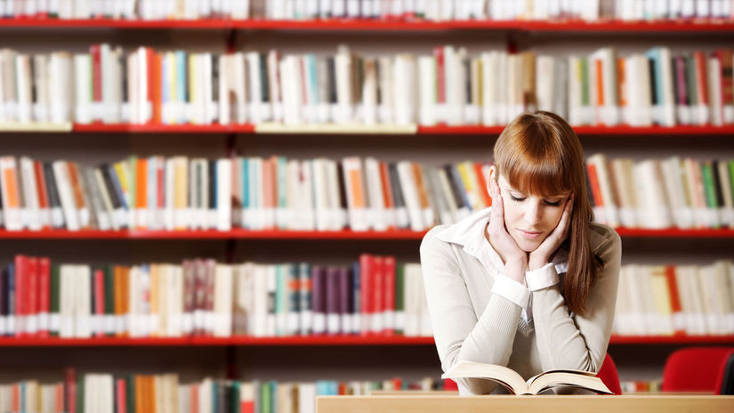 študentka, knižnica, štúdium