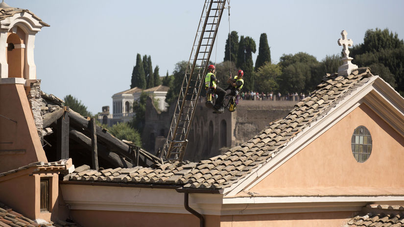 Taliansko Rím kostol strecha zrútenie