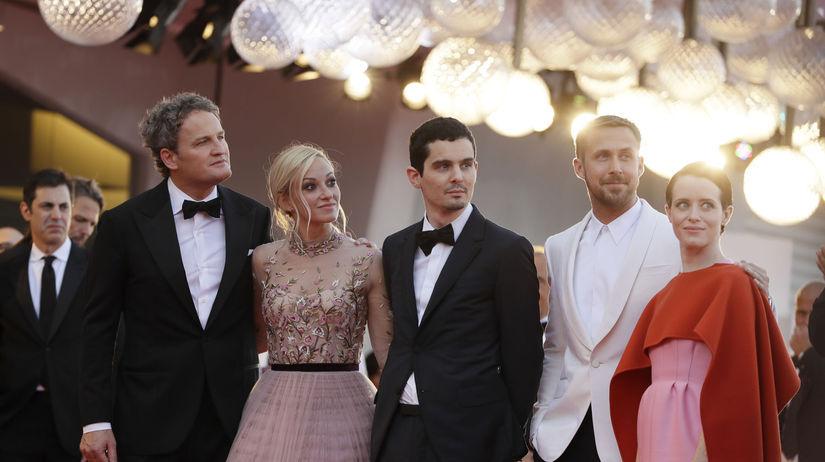 Zľava: Herec Jason Clarke, herečka Olivia...