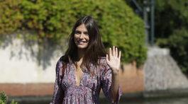 Modelka Bianca Balti a jej ležérny príchod na filmový festival.