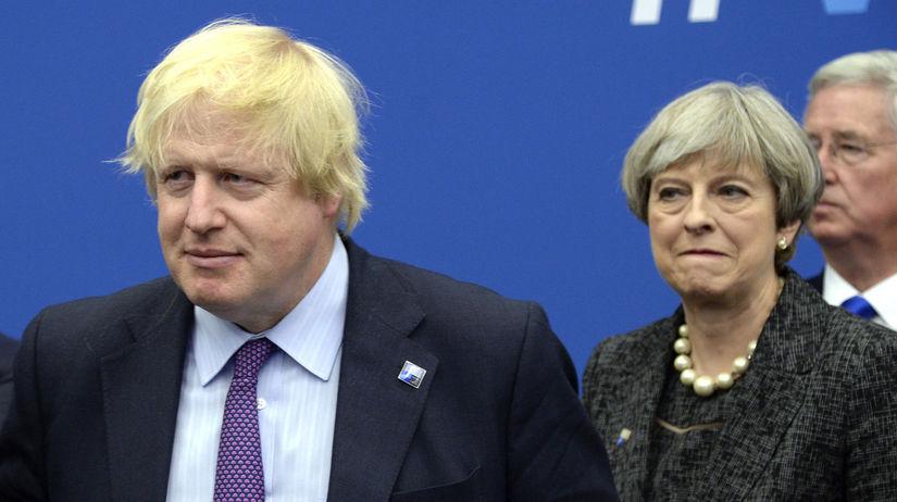 Británia EÚ brexit Mayová johnson