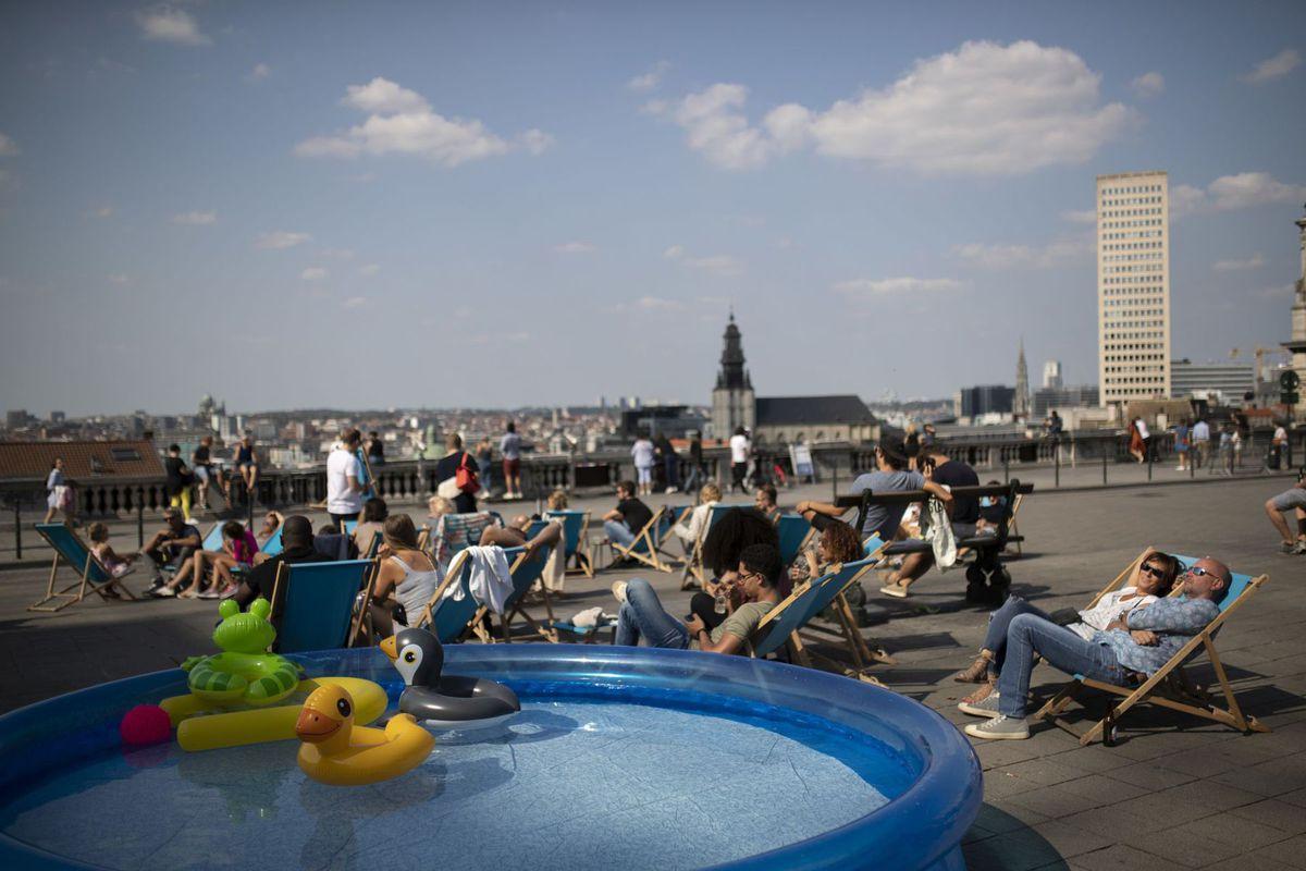Belgicko, Brusel, terasa, relax, bazén