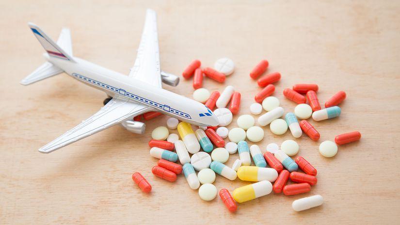 cestovanie, lietadlo, liek, tabletka, nevoľnosť