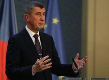 Pietny akty na Národnej triede v Prahe sprevádza vyhrotená atmosféra