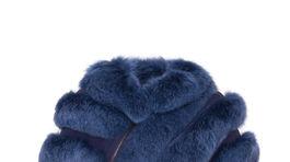 Kožušinová pelerína Kara. Info o cene v predaji.