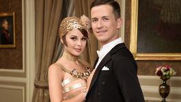 Speváčka Monika Bagárová s tanečníkom Robinom Ondráčkom.