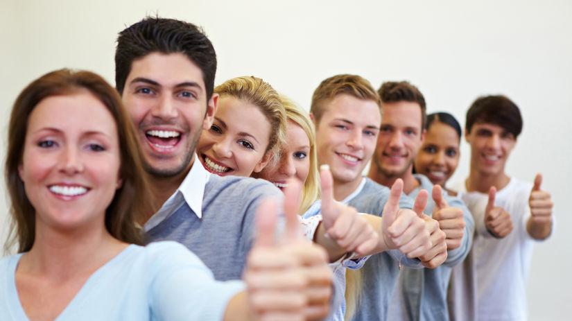 študenti, mladí ľudia, spolupráca