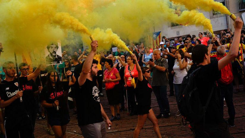 katalánsko, španielsko, demonštrácia, protest,...