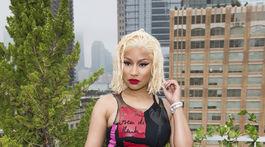 Raperka Nicki Minaj pred prehliadkou Oscar de la Renta v New Yorku.