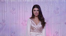 Riaditeľka Miss Slovensko Karolína Chomisteková v šatách od Emy Kleinovej.