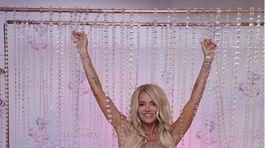 Speváčka Dara Rolins uviedla nový parfum a stavila na nečakaný princeznovský look.
