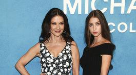 Catherine Zeta-Jones vzala na prehliadku svoju dcéru Carys Zeta Douglas
