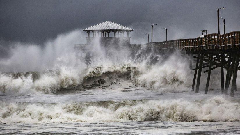 hurikán búrka FLorence Severná Karolína USA