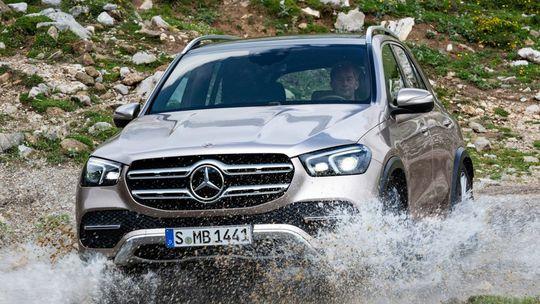 Mercedes-Benz GLE: Nová generácia útočí na Range Rover