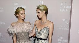 Sestry Paris Hilton (vľavo) a Nicky Hilton Rothschild