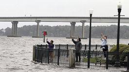 USA počasie hurikán Florence príchod