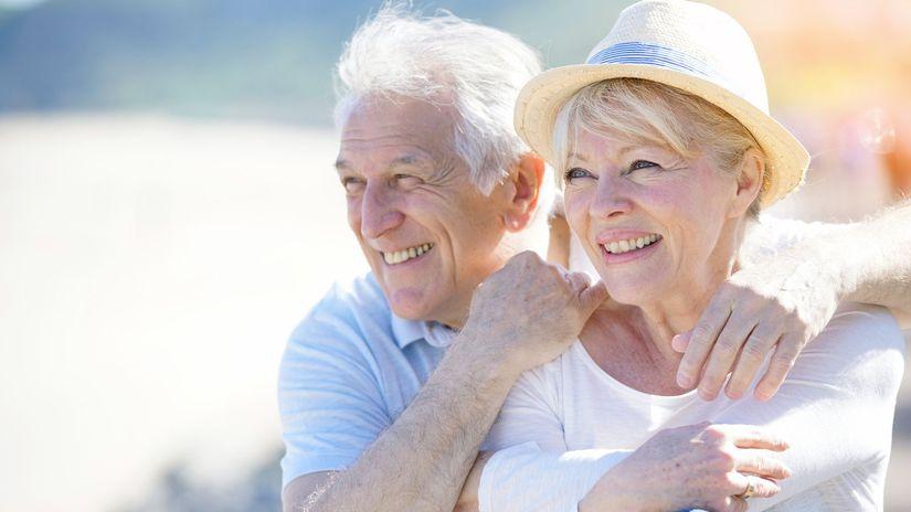 dôchodci, seniori, starí ľudia, dôchodky,
