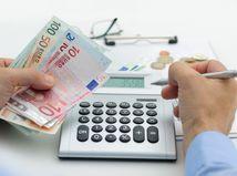 dôchodok, predčasný dôchodok, kalkulačka, peniaze, výplata,