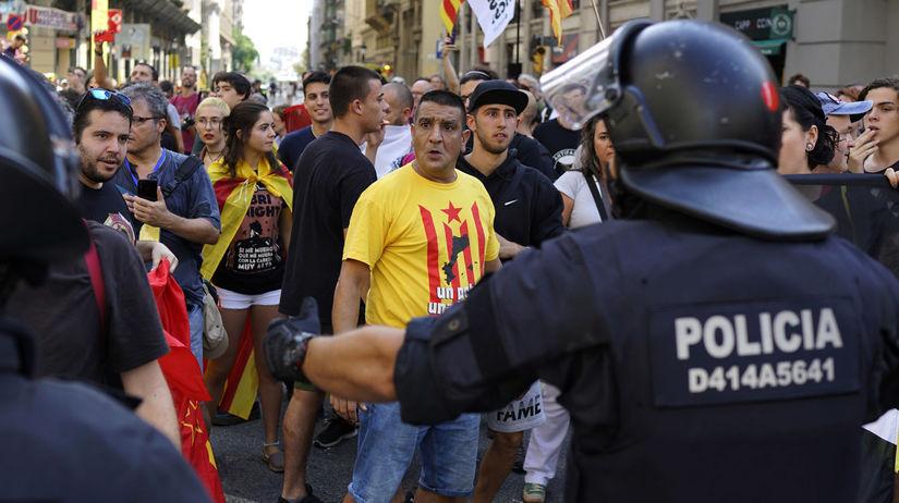spanielsko katalansko demonstracia protest policia