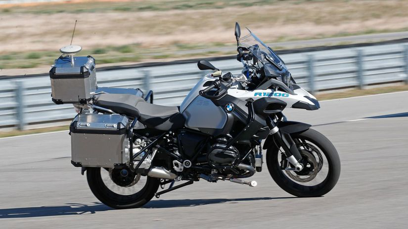 BMW Motorrad - autonómna motorka