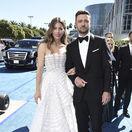 Herečka Jessica Biel a jej manžel Justin Timberlake. Biel prišla v kreácii Ralph & Russo Couture.